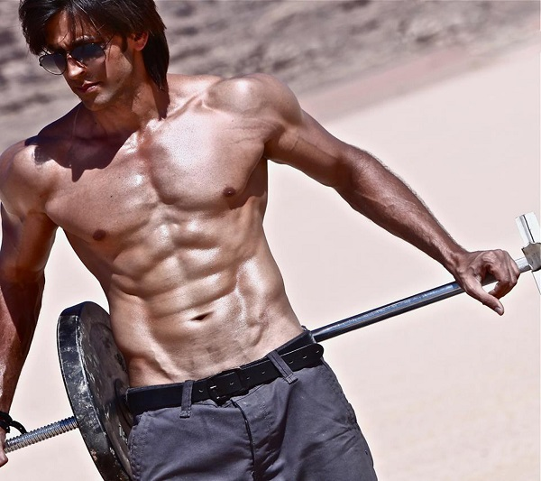 Top 10 sexiest Bollywood Actors: With Best Physique